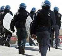 Poliziotti feriti per scontri tra ultras di Foggia e Barletta