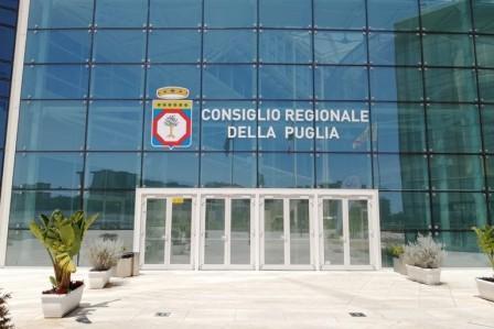 Cancellato il trattamento di fine mandato per i consiglieri regionali pugliesi