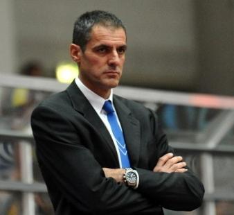 Basket: esonerato coach Dell'Agnello